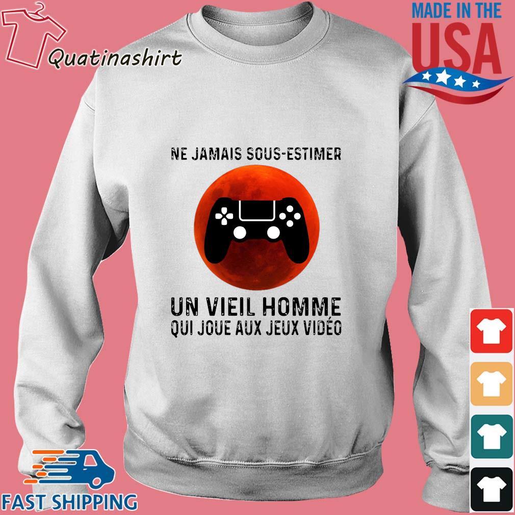 Ne jamais sous estimer un vieil homme qui joue aux jeux video game s Sweater trang