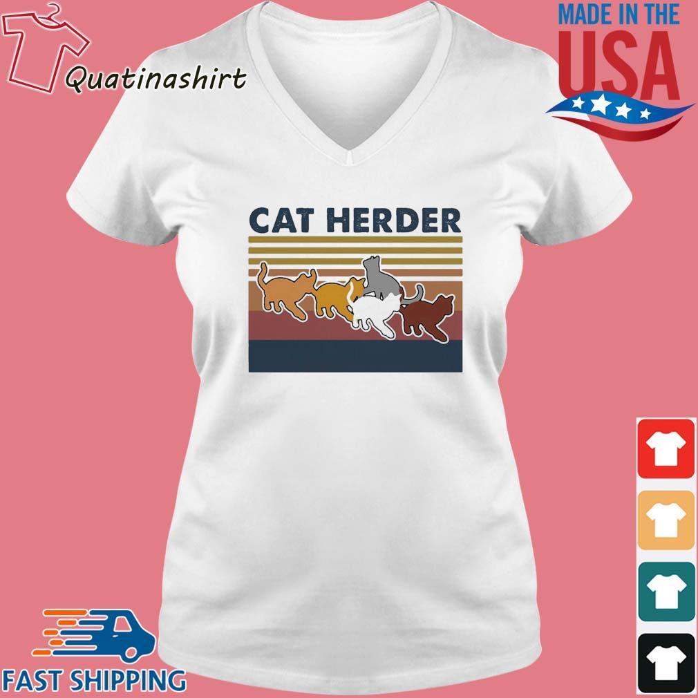 Cat herder Vintage s Vneck trang