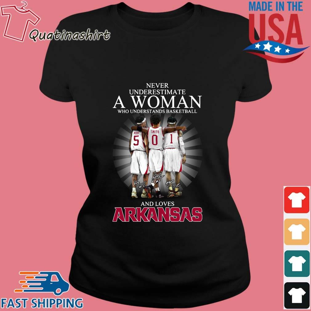 Never Underestimate A Woman Who Understands Basketball And Loves Arkansas Razorbacks Shirt Ladies den